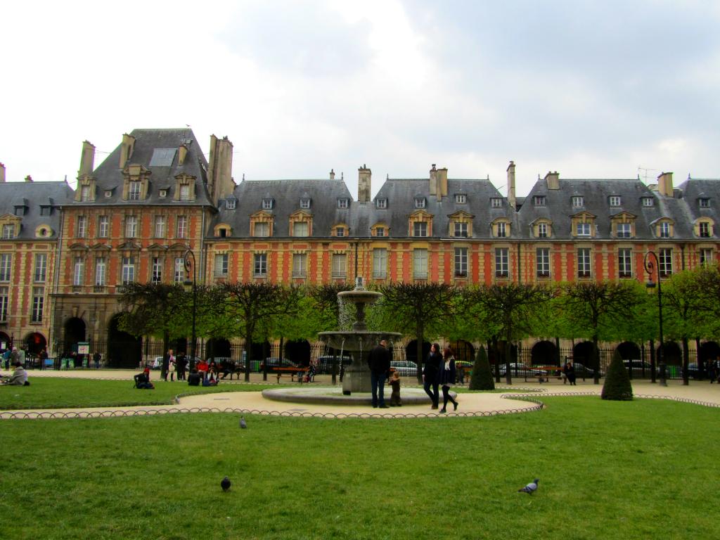 PARIS_PlacedesVosges