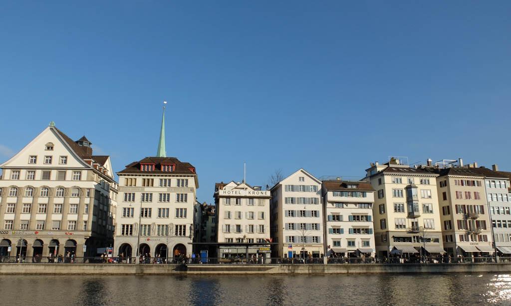 Olivia Leaves | Zurich