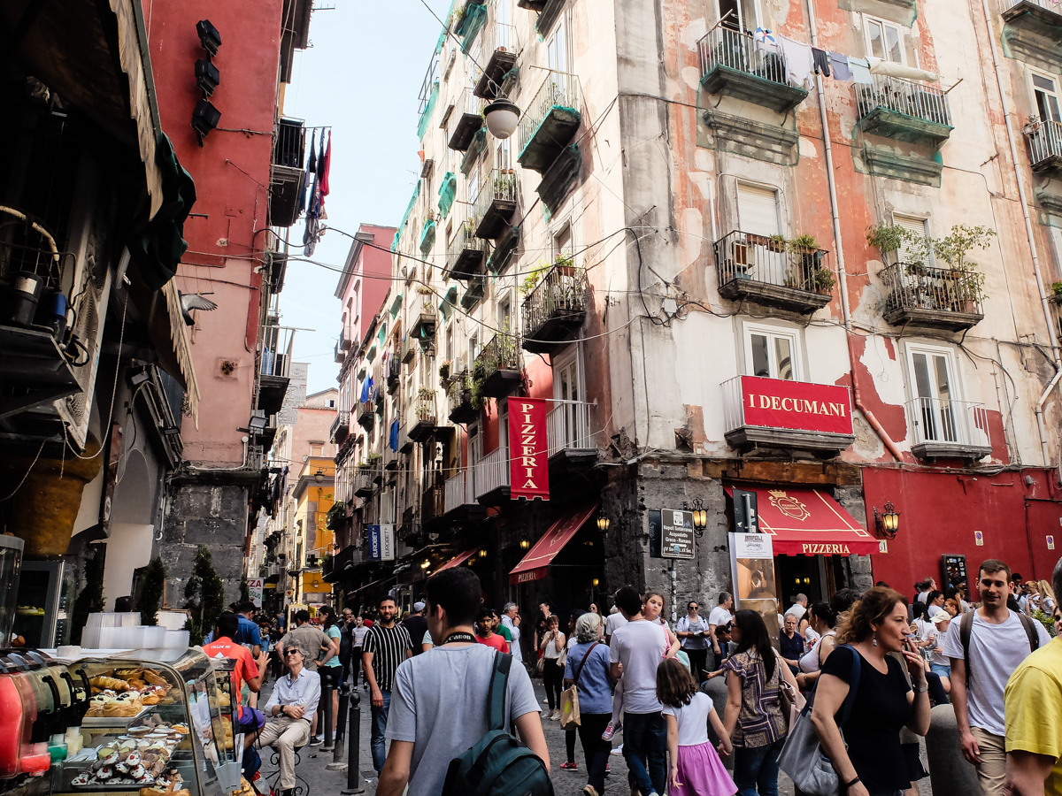 Olivia Leaves | A Day in Naples Italy