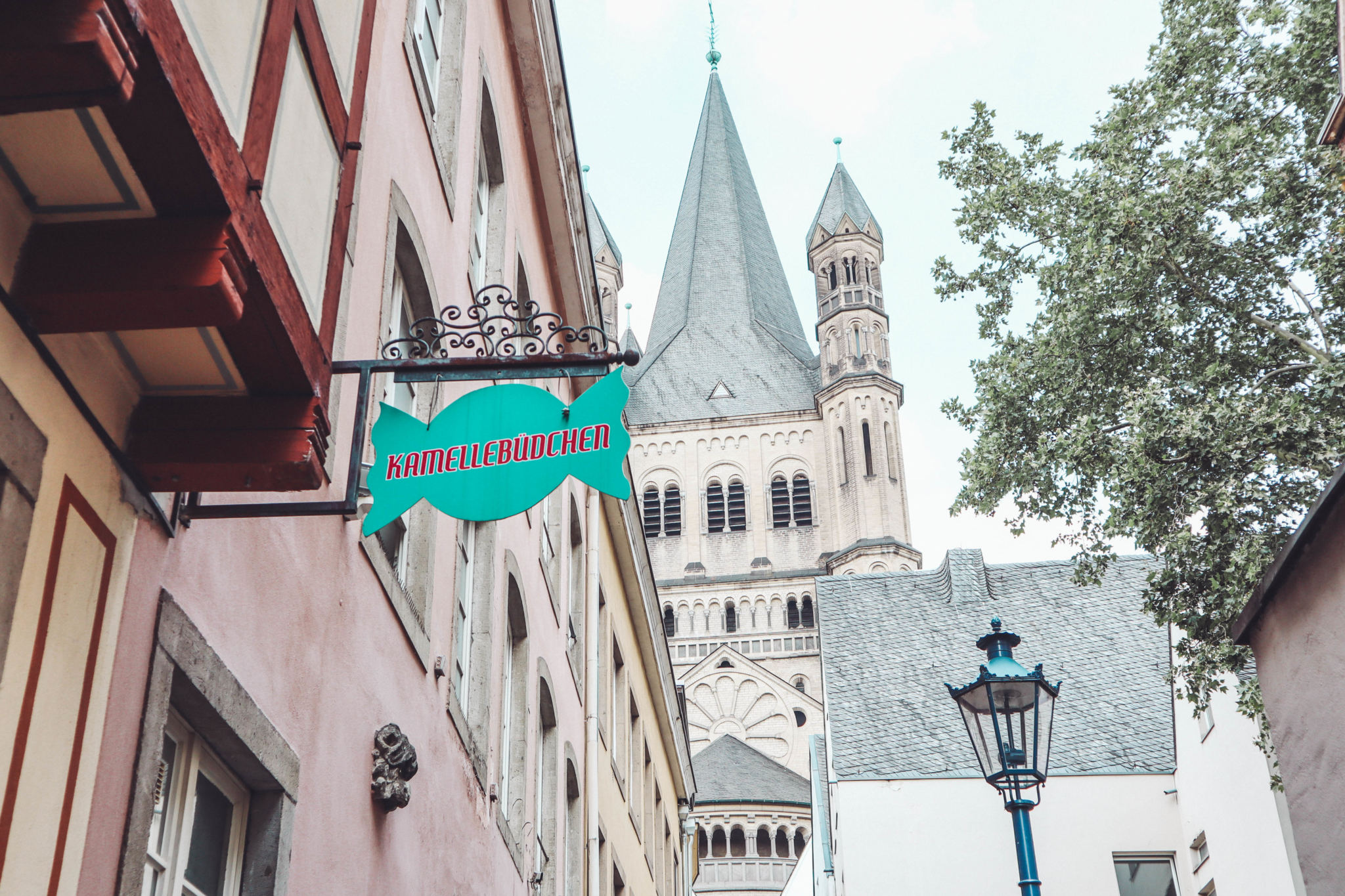 Olivia Leaves | 48 Hours in Cologne